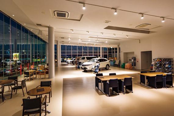 Niigata Toyopet Niigata Higashi Store Commercial Lighting Vehicle