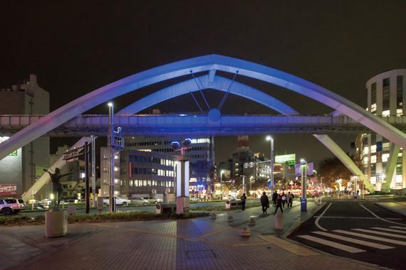 Central Arch Illumination Area Lighting Facilities